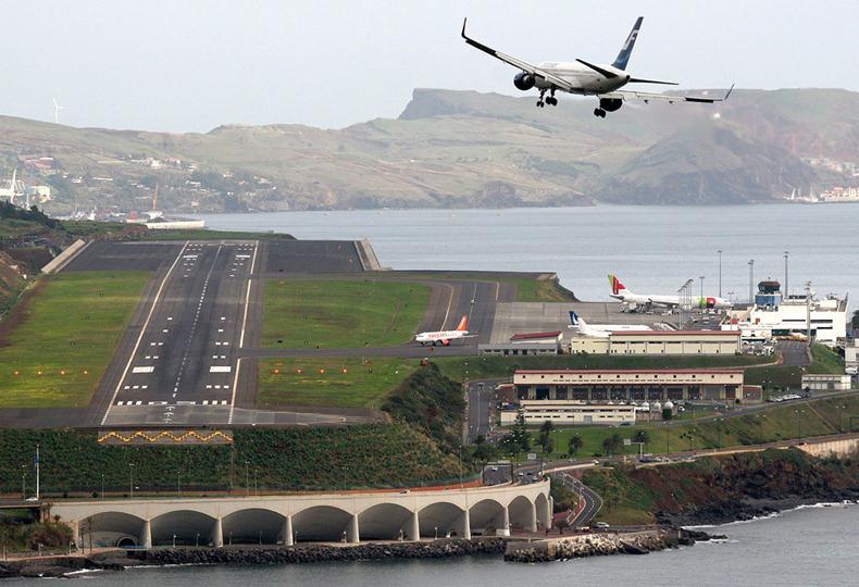 Aeroporto Madeira : Aeroporto da madeira comemora º aniversário notícias