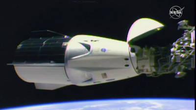 Astronautas levados pela SpaceX chegaram à Estação Espacial Internacional