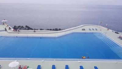 Complexos balneares da Frente MarFunchal com novos horários