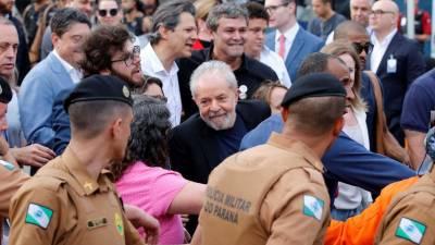 Ex-presidente Dilma Rousseff diz que Lula é consciente de representar a esperança perante Bolsonaro