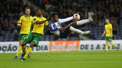 FC Porto vence Paços de Ferreira e continua a dois pontos do líder Benfica