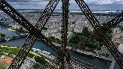 França com mais 30 mortes por covid-19 num dia