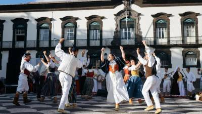 'Funchal Folk 2019' arrancou hoje na Praça do Município
