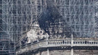 Instituições da UE querem participar no esforço de reconstrução de Notre-Dame