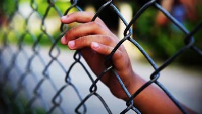 Mais de 100 mil crianças migrantes mantidas em centros de detenção nos EUA