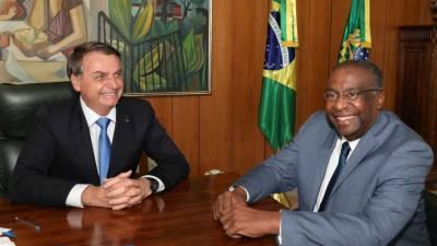 Ministro da Educação brasileiro demite-se antes de tomar posse após polémica com currículo