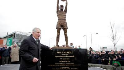 Morreu o antigo futebolista Billy McNeill, capitão dos 'Lisbon Lions'
