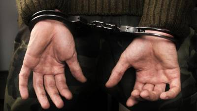 Polícia Judiciária detém dois homens por detenção de arma proibida e ameaça agravada