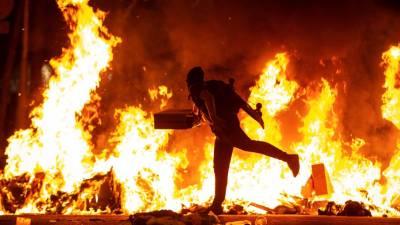 Protestos violentos já levaram a 51 detenções na Catalunha