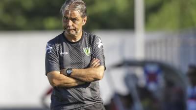 Treinador do Tondela com ambição de ganhar na Madeira frente ao Marítimo