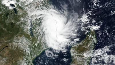 Vento e chuva muito fortes causam estragos com chegada do ciclone Kenneth a Moçambique